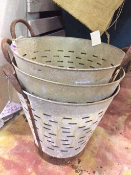 olive buckets...a piddlin' decor staple